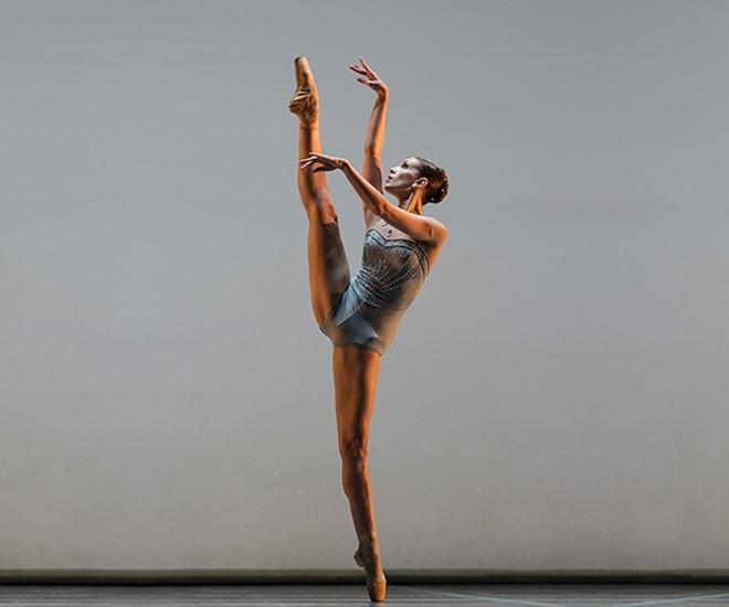 Book en estudio para Bailarina Clásica