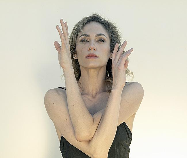 Sesión en estudio con Bailarina. Online con práctica presencial